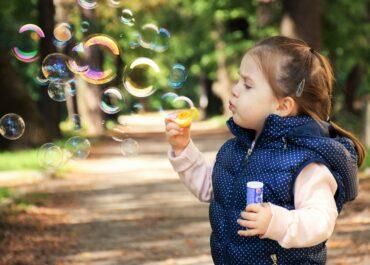 Czy jest szansa na szczepienia przeciw Covid-19 dla 3-latków już jesienią?