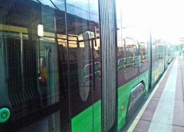 Zderzenie tramwaju z samochodem na ul. Starołęckiej