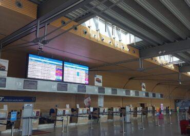 Ilu pasażerów obsłużyło w zeszłym roku lotnisko Ławica?
