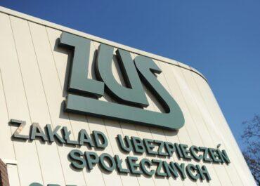Opublikowano rozporządzenie przedłużające postojowe i zwolnienia z ZUS