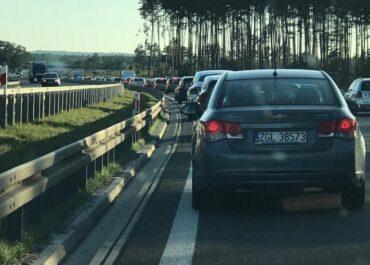 Wypadek na poznańskim odcinku autostrady A2. Mężczyzna spadł z wiaduktu?