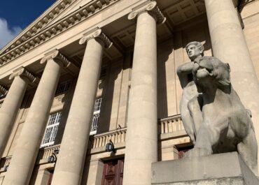 Teatr Wielki w Poznaniu nominowany do prestiżowej nagrody. Można pomóc oddając głos