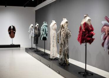 Wystawa Iris van Herpen w Galerii na Dziedzińcu dostępna dłużej