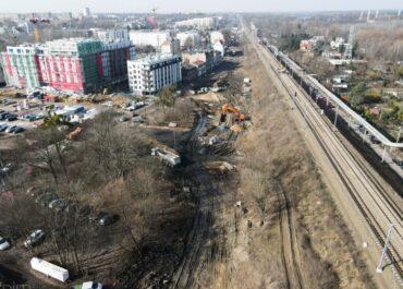 Budowa ul. św. Wawrzyńca: od wtorku zmiany dla pieszych i rowerzystów
