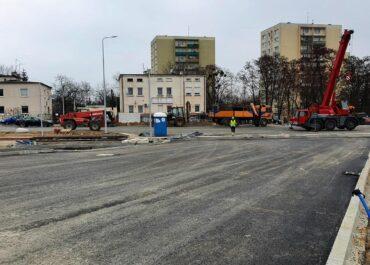 Weekend z kolejnymi zmianami w organizacji ruchu w rejonie budowanej trasy na Naramowice