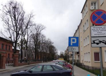 Zmiany na ul. Ułańskiej. Kierowców czeka ruch jednokierunkowy i Strefa Płatnego Parkowania