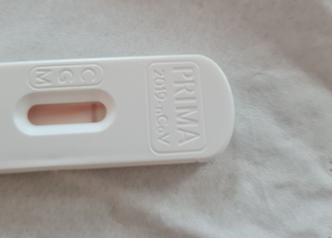 Prezes KRDL: test antygenowy z dyskontu może wprowadzić nas w błąd