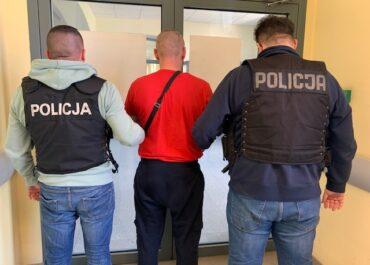 Poznańscy policjanci kryminalni zatrzymali podejrzanych o napad na salon samochodowy