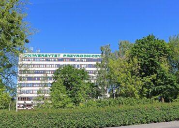 Proekologiczne instalacje na budynkach Uniwersytetu Przyrodniczego