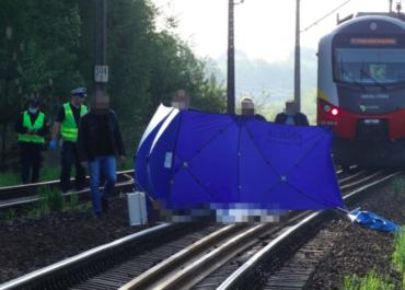 Nastolatka rzuciła się pod pociąg
