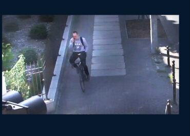 Policja publikuje wizerunek rowerzysty, który potrącił pieszą i uciekł z miejsca wypadku