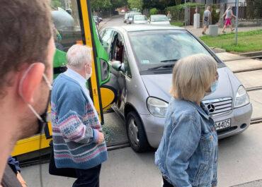 Zderzenie samochodu z tramwajem w rejonie al. Armii Poznań