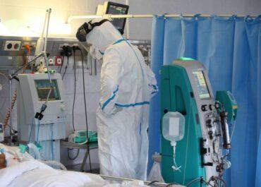 Wiceminister zdrowia przekazał środowe dane – gwałtowny wzrost zakażeń i zgonów osób zakażonych