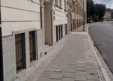 Rusza remont kolejnego fragmentu chodnika na ul. Składowej