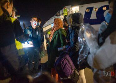 W nocy na Ławicy wylądował samolot z ewakuowanymi Afgańczykami