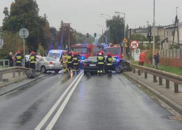 Wypadek z udziałem kilku samochodów na ul. Starołęckiej, droga zablokowana! (Aktualizacja)