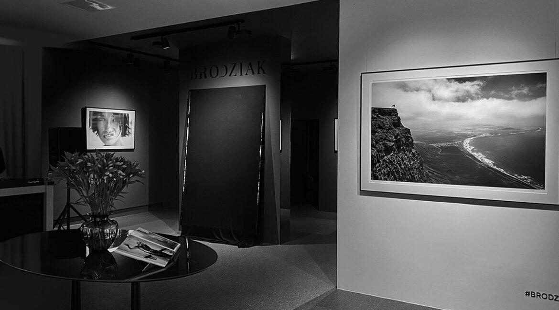 Szymon Brodziak wchodzi w świat muzyki i wychodzi na ulice? Jakie są plany słynnego fotografa?