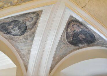 Freski z XVIII wieku odkryte w Sali Sesyjnej Urzędu Miasta będą odrestaurowane