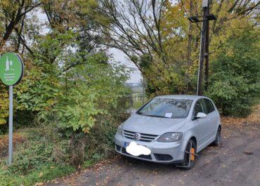 Kierowcy nielegalnie parkują w rejonie mostu św. Rocha. Straż miejska nie miała litości