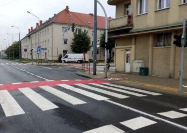 Bezpiecznie i zgodnie z przepisami – nowe przejście dla pieszych na ul. Przybyszewskiego już gotowe