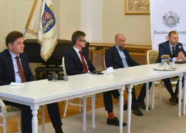 Wyzwania, możliwości i kwestie prawno-kulturowe. Omawiali zatrudnianie cudzoziemców w poznańskich firmach